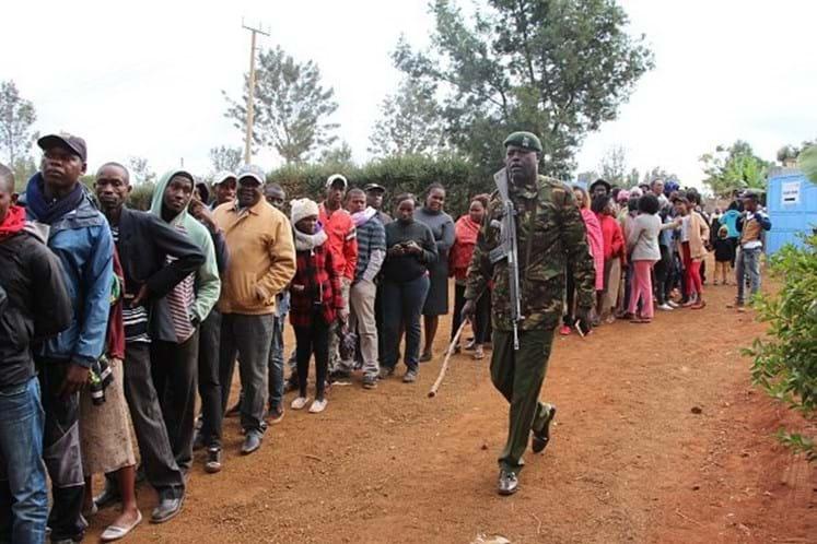 Kenyatta tenta recandidatura, Odinga corre pela quarta vez — Eleições no Quénia