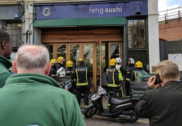 Borough Market: Restaurante evacuado por causa de envelope. Há feridos