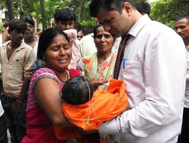 60 crianças morrem em hospital indiano por falta de bombas de oxigênio