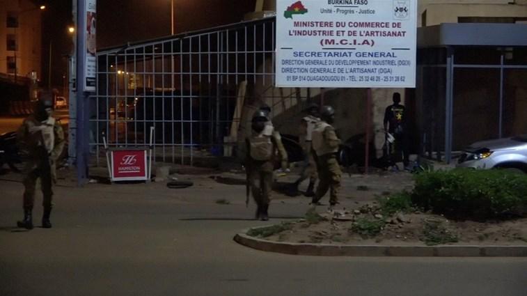 Pelo menos 17 pessoas morreram em ataque terrorista no Burkina Faso