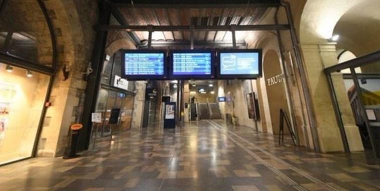 O que se passou na estação de comboios de Nimes — França
