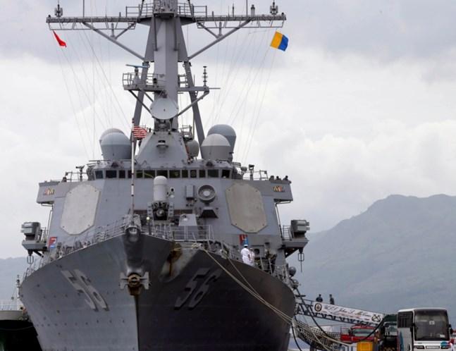 Destróier americano colide com navio mercante perto de Cingapura; 10 desaparecidos