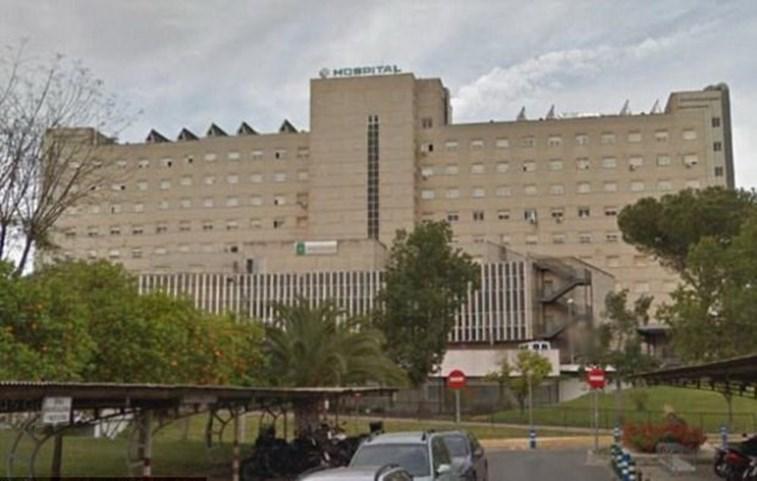 Mulher morre presa no elevador do hospital após dar à luz