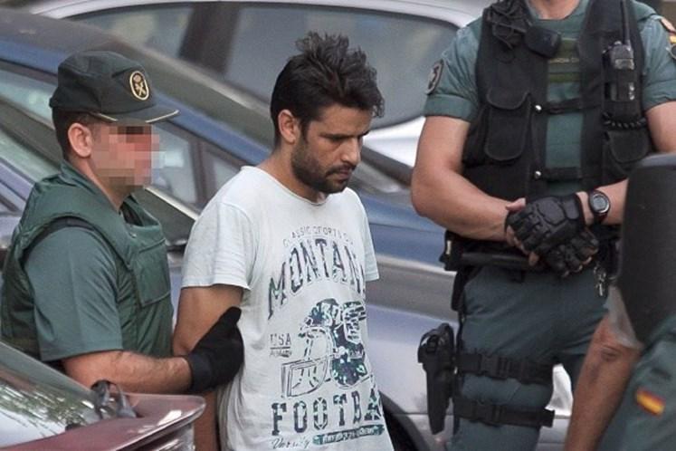 Suspeitos de envolvimento no ataque de Barcelona comparecem a tribunal de Madrid