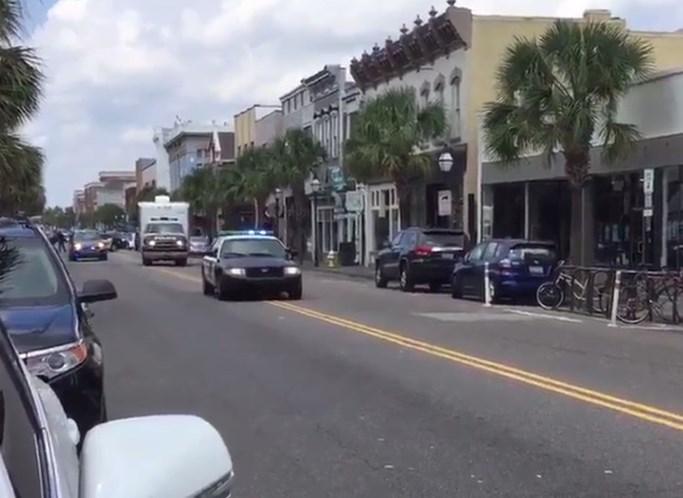 Homem abre fogo e faz reféns em restaurante de Charleston/EUA