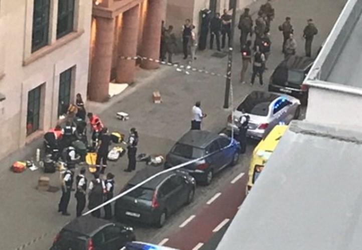 Bélgica. Homem ataca militares e é abatido