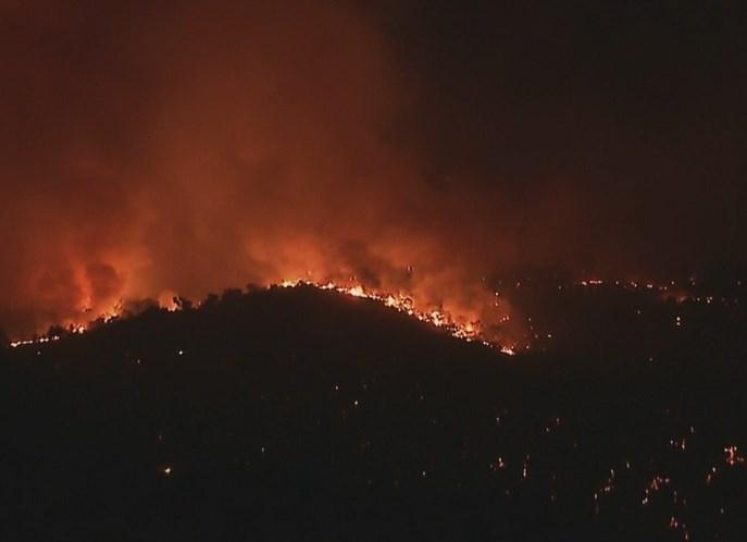 Incêndio em Miranda do Douro obriga a evacuação de aldeia