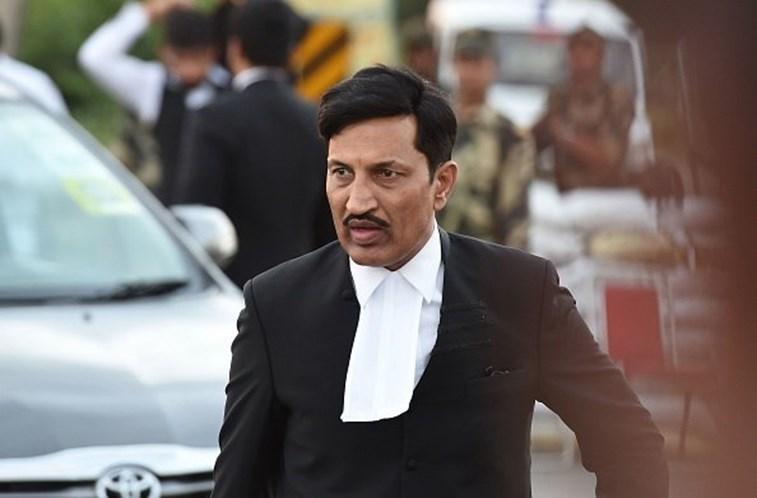 Índia condena guru influente a 10 anos de prisão por estupro