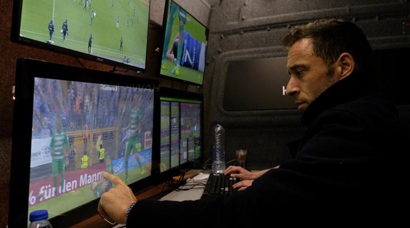 Espanha adopta vídeo-árbitro na próxima temporada