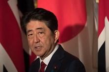 Projeções dão vitória a Shinzo Abe no Japão