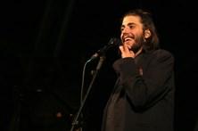 Salvador Sobral lança disco cantado ao vivo