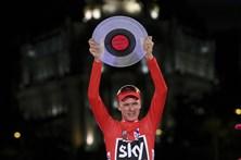 Froome ganha a Vuelta e torna-se o 10.º ciclista a fazer a 'dobradinha'