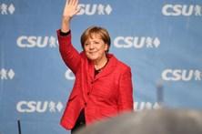 """Merkel, há 12 anos no poder, """"completamente concentrada em vencer"""""""