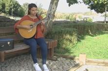 Curso de guitarra portuguesa acolhe primeira mulher