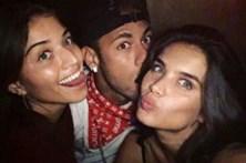 Sara Sampaio mostra intimidade com Neymar