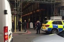 Terceiro pacote suspeito encontrado em Londres