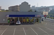 Dupla armada assalta supermercado de Paredes
