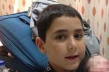 Menino de 9 anos morre atingido por baliza