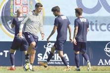 """""""Não acordo a pensar nos rivais"""", diz Sérgio Conceição"""