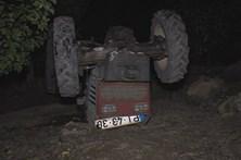 Condutor morre debaixo de trator a pulverizar terreno
