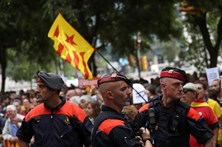 Governo espanhol envia reforços policiais para a Catalunha