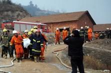 Sete mortos em explosão numa fábrica pirotécnica no leste da China