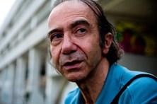 Cirurgião suicida-se depois de colocar silicone no peito e nas nádegas