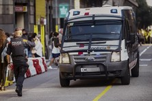 Polícia regional da Catalunha recebe instruções para selar locais de voto