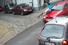 Homem brutalmente atropelado após vandalizar montra de loja
