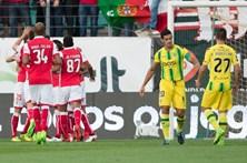 Erros do Tondela dão três pontos ao Braga