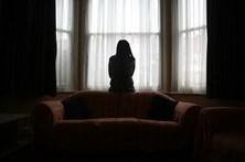 Tribunal duvida que mulher moderna se sujeite a relação violenta