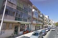 Três prédios em Lisboa em risco de derrocada