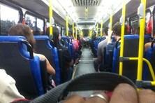 Expulso de autocarro após ejacular em cima de passageira