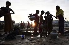 480 mil rohingya fugiram para o Bangladesh num mês