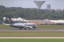 Pilotos da Ryanair com base em Portugal anunciam greve