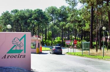 Herdade de luxo sem limpeza e segurança na Aroeira