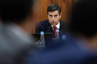 Ministro anuncia linha de 600 milhões de euros para aumentar as exportações