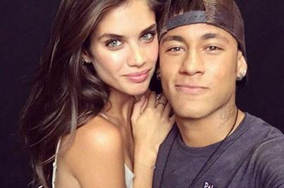 Sara Sampaio reage a rumores sobre relação com Neymar