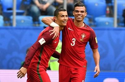 Cristiano Ronaldo e Pepe entre os 55 candidatos ao 'onze do ano' da FIFPro