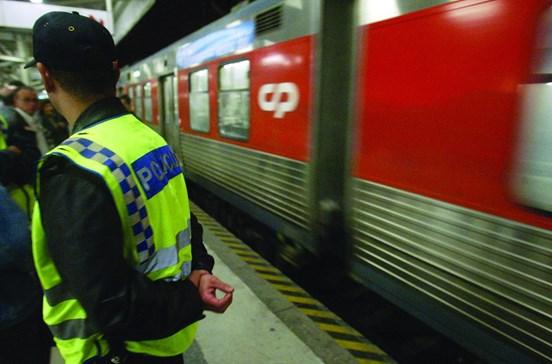Falso atentado leva susto a bordo de comboio