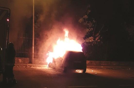 Queimam Mercedes de GNR por vingança