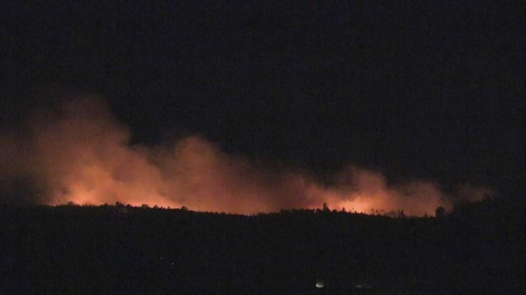 Mais de 270 bombeiros e oito meios aéreos combatem fogo na Covilhã