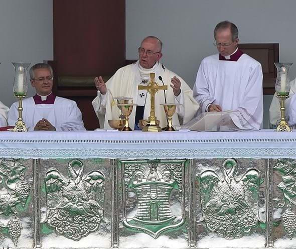 Viagem do Papa Francisco à Colômbia terá transmissão de TV no Brasil