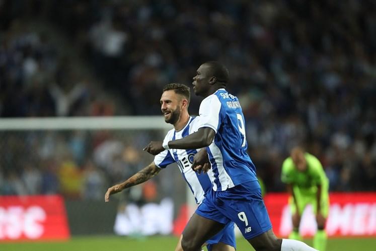 Soares já integrou treino do FC Porto sem limitações