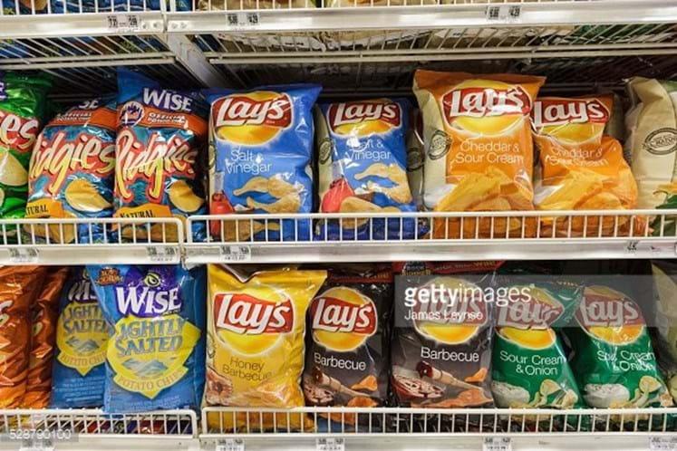 Informação errada em pacotes de batatas fritas põe diabéticos em risco