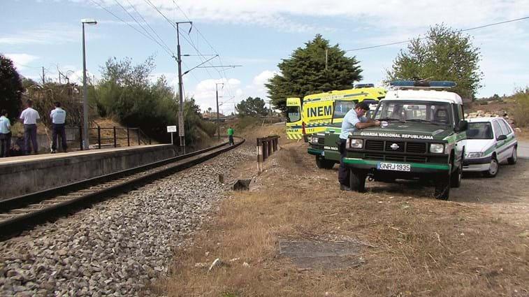 Mãe da criança colhida mortalmente por comboio libertada