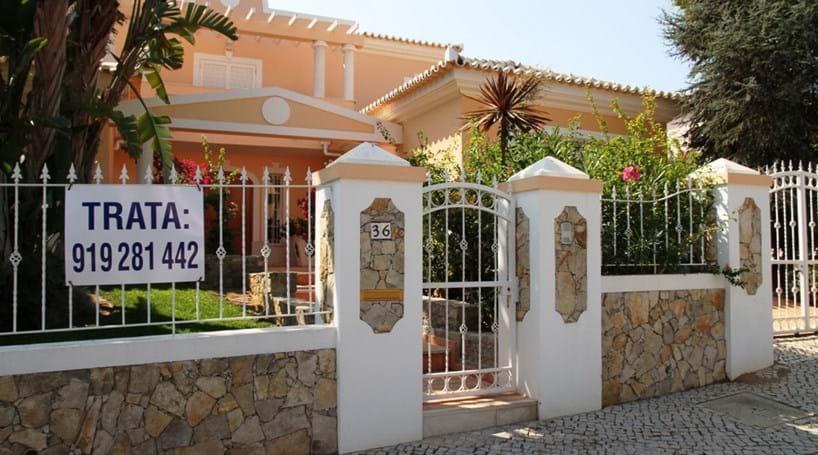 Conheça a casa de Tony Carreira em Almancil