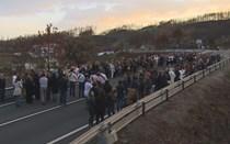 Cerca de 100 pessoas reúnem-se em vigília na Estrada da Morte