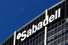 Mais de 900 empresas retiraram sedes da Catalunha desde o referendo