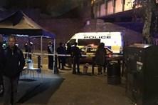 Um homem morto e dois feridos à facada no metro de Londres